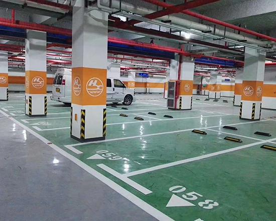 淄川商场地下车库划线